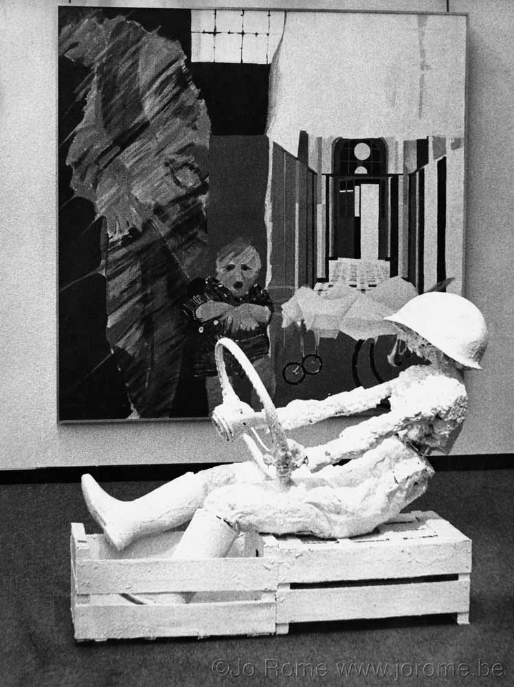 Exposition de sculptures en polyester, contemporain 1973