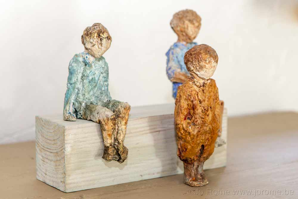 Sculptures en fonte, figurines d'enfants